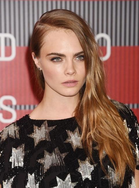 1-blonde haare mit roten undertönen