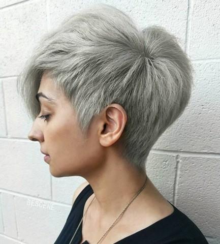 2-Platinum-Blonde-Pixie-Haarschnitt-Kurze-Frisur-für-schicker-Haar-2017