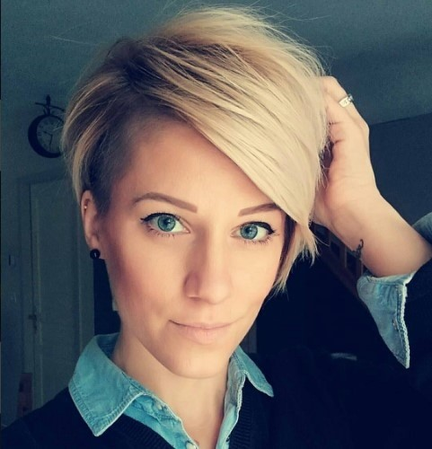 20-Blonde Pixie Haarschnitt - Side Cut