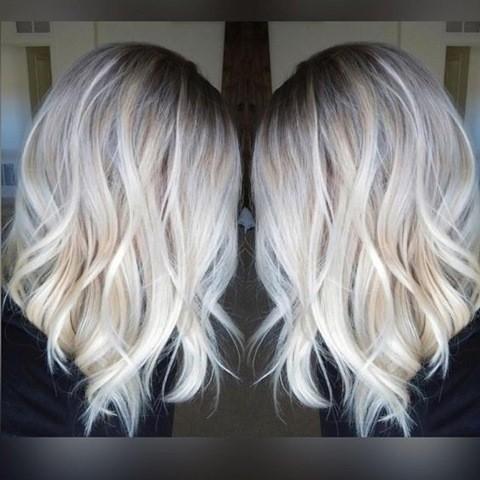 5-Frisuren-für-schulterlang-haar-platinum-blonde-balayage-ombre