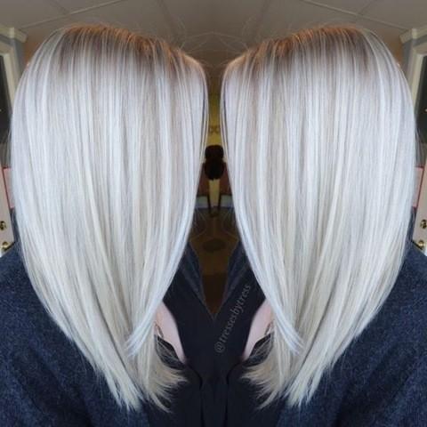 9-Platinum-Blonde-Balayage-schulterlang-haarschnitt-2017