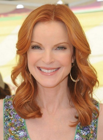 16-Marcia Cross Welliges Haar Stil