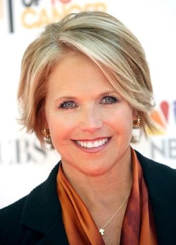 29-bob-blonde-Frisuren für Frauen ab 50 mit rundem Gesicht
