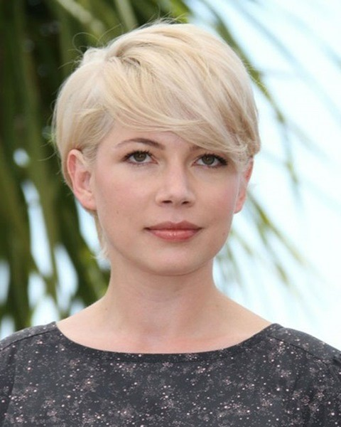 6-Blonde Kurze Frisur für Ovale Gesichter
