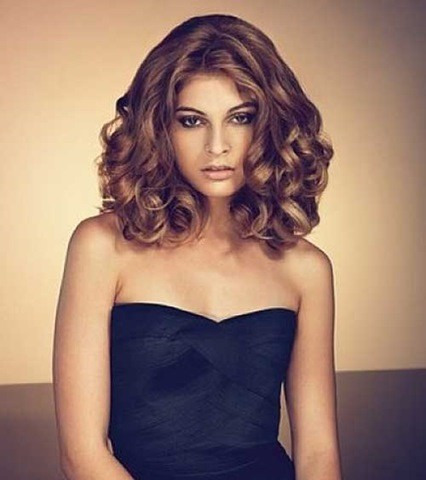 11. Besten Frisuren für schulterlanges Haar