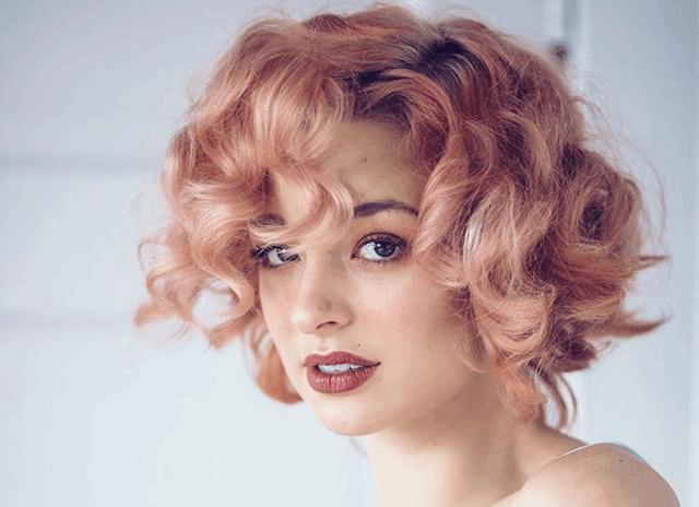 Rosa locken haare