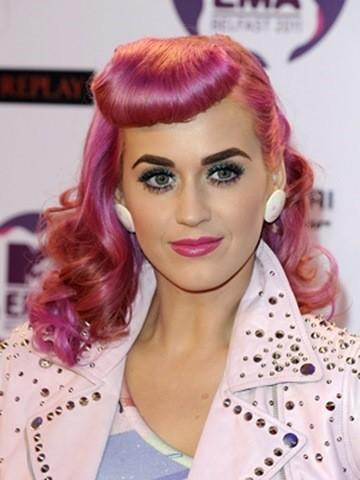14-Pink Pin-Up-Stil frisuren