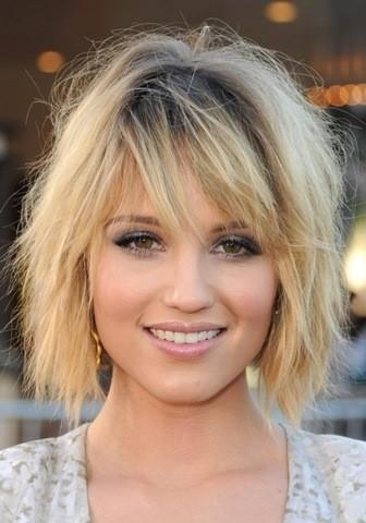 2-fransiger-bob-frisuren-blonde-haare