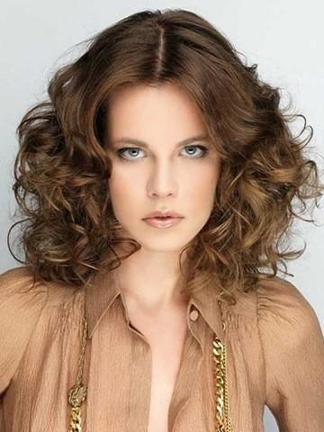 24. Funky Schulter Länge Frisur für Frauen