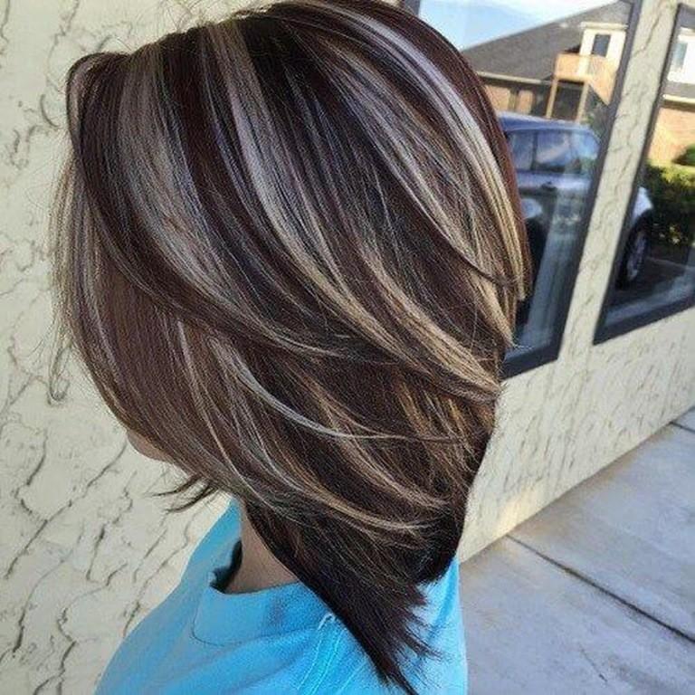 Braune haare mit strahnen kurz