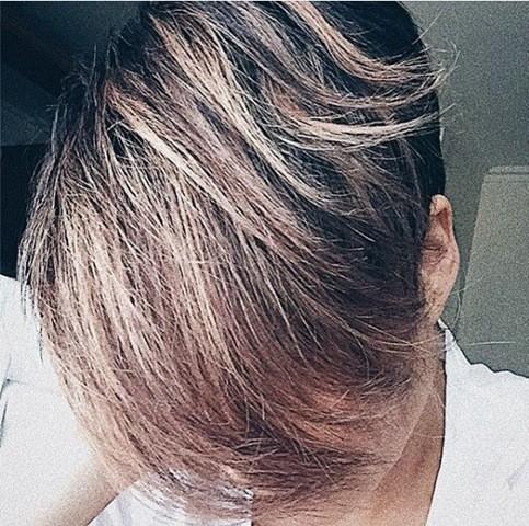 2-lange-pixie-frisur-braune-haar-farbe