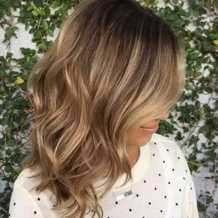 50 stilvolle vorschl ge f r braune haare mit blonden str hnen. Black Bedroom Furniture Sets. Home Design Ideas