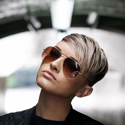 braun-pixie-side-cut
