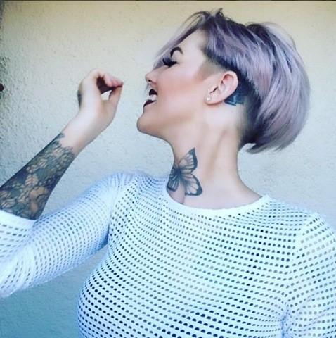 Lila Haarfarbe Sidecut