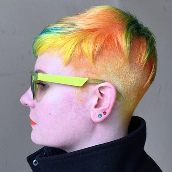 Funky Undercut Frisur für Frauen