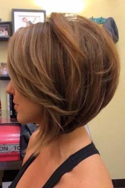 Eine Konkave Bob Haarschnitt