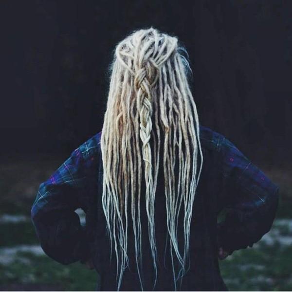 Blonde dreads geflochten