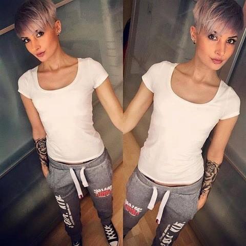Platinum Pixie Haare