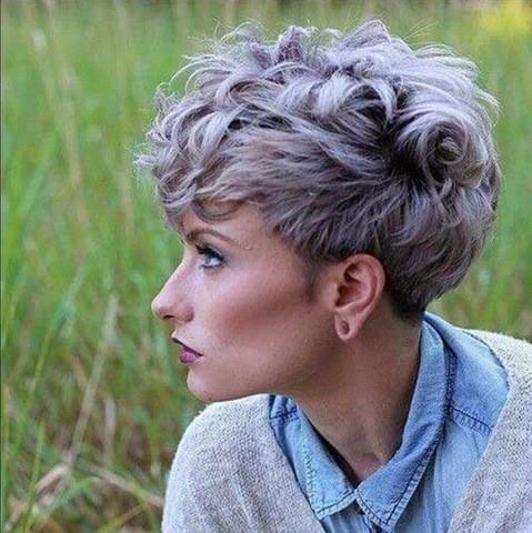 Pixie Lila Lockig Haar