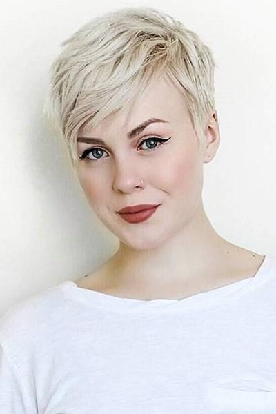 Blond Pixie Frisur