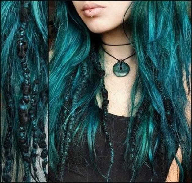 Dreadlocks Haare blau-petrol färben