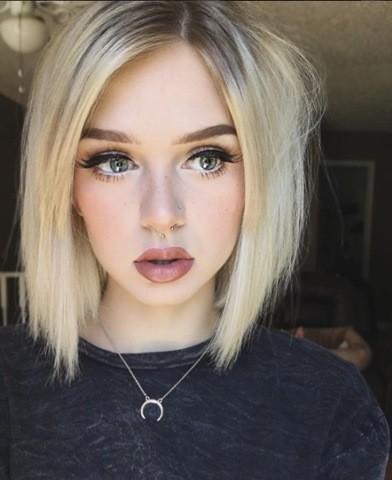 Blond LOB Frisur