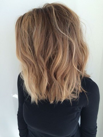 Long bob mit Balayage highlights