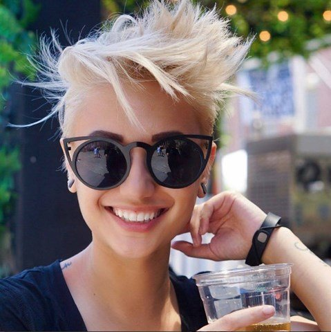 Blond Messy Pixie Frisur