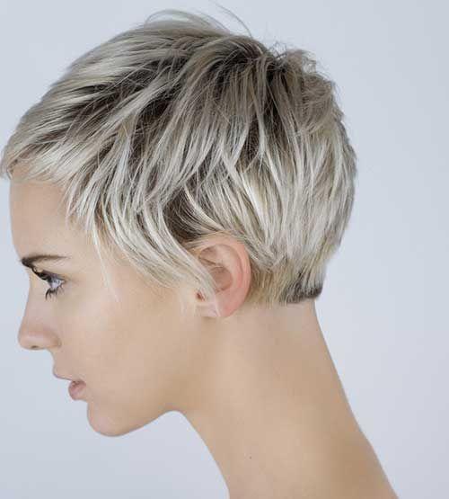 2-Schöne Kurze Haarschnitte für Ältere Frauen