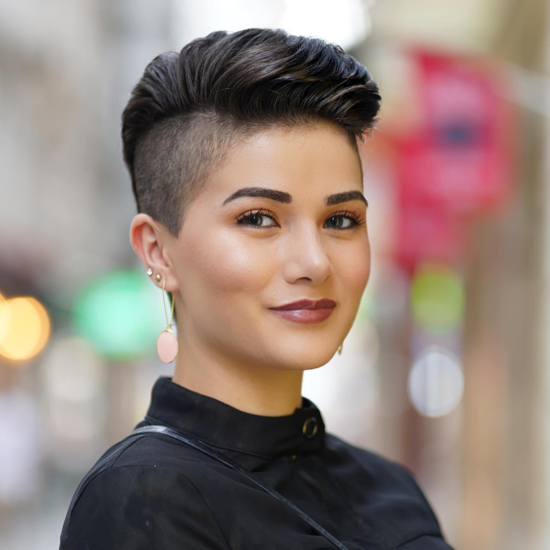 10 Frisurideen für Frauen mit kurzen schwarzen Haare